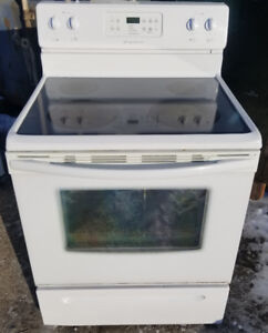 Frigidaire Stove - FREE DELIVERY