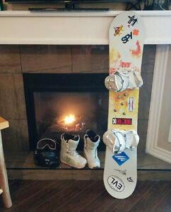 Ladies Forum Snowboard Package for Sale