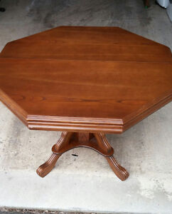 Canadian Made Solid Wood Dinning Room Table