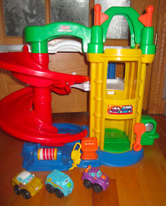 garage fisher price et jouets divers