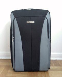 ***GREAT VALUE*** FS: TRACKER LUGGAGE