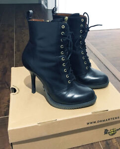 Moving Sale - Lots of Women's Shoes