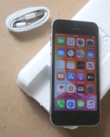 32gb unlocked iPhone SE with latest iOS 14(see description)