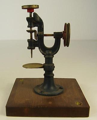 Antikes Antriebsmodell für Dampfmaschine Bing vor 1945