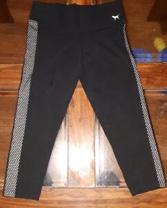 XS Victoria Secret PINK Capri Yoga Pants