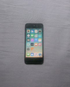 iPod Touch 5th generation (32gb)