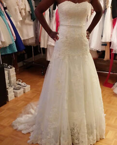 Two Gorgeous wedding dresses at 600