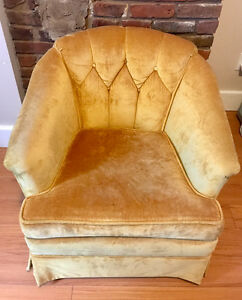 1978 Vintage Crushed Velvet Armchair - Excellent Condition