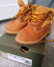 Boys toddler boots UK size 5