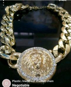 Plastic /metal lion studded necklace