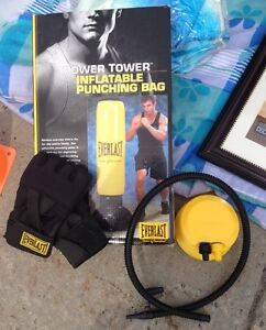 Punching bag gonflable Everlast + Gants small pour femme