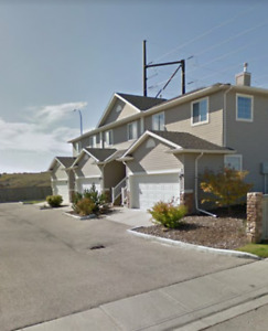 House For Rent In Cochrane - Mountain Views - 4 Bedroom 3.5 Bath