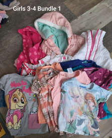 Girls 3-4 years clothes bundle 53 items. (Bundle 1)