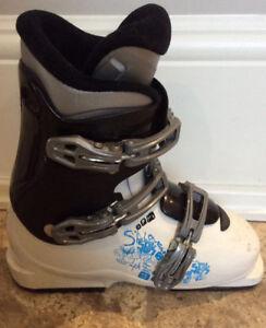 Salomon Girls Ski Boot - great condition size 23.5
