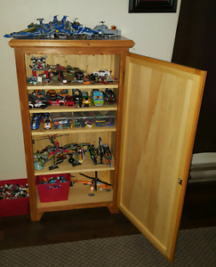 Small cabinet with four adjustable shelves