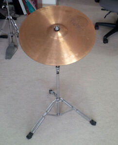 """Cymbal and Stand, 18"""" Sabian"""
