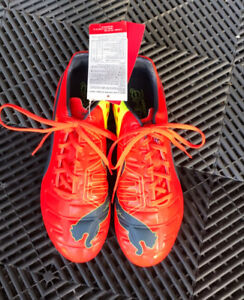 BRAND NEW soccer shoes