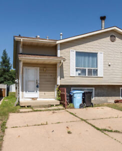 131B WINDSOR DR - 3 BEDROOM DUPLEX IN THICKWOOD