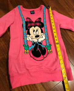 Cutey Minnie Mouse sweaters Disney with sparkle, great price $5!