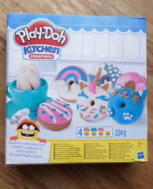 Play-Doh Kitchen Creations Delightful Donut Set NEW