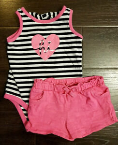 Baby girl clothes size 6 months