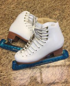 GAM 5 1/2 B Figure Skates