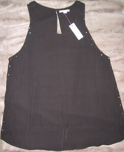 NEW WITH TAGS GARAGE SLEEVLESS TOP, SIZE MEDIUM