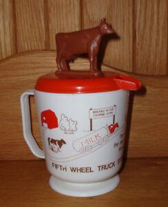 """FIFTH WHEEL TRUCK STOP """" MOO  COW""""  MILK DISPENSER"""