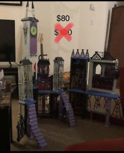 For Sale: Monster High Deluxe School House