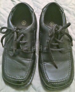 Boys black dress shoes size 6 ½ Excellent Used Condition $5.00