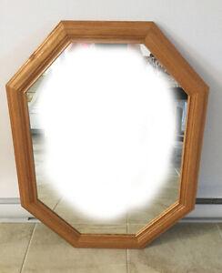 Miroir - cadre en bois verni
