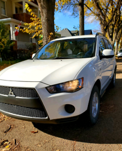 2010 Mitsubishi Outlander 4WD Very Clean!