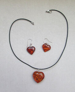 BALTIC AMBER PENDANT AND EARRINGS