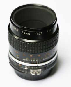 Nikon 55mm F2.8 AiS MICRO manual focus lens