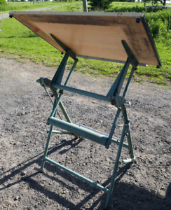 UNIC-Studio Drafting table