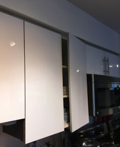 Kitchen top cabinet doors-new white glossy, soft closing hinges