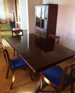Moving Must Go! Mahogany Dining Table/Four Chairs