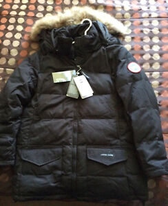 Women's Brand new with tag Canada Goose Solaris Winter Coat St. John's Newfoundland image 1