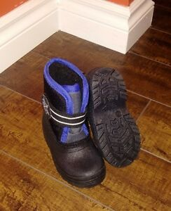Toddler winter boots size 5 - never worn