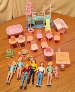 mixed lot Fisher Price & Playskool doll house furniture