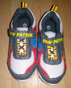 Souliers pat patrouille  7 neuf / Paw patrol shoes  7 new