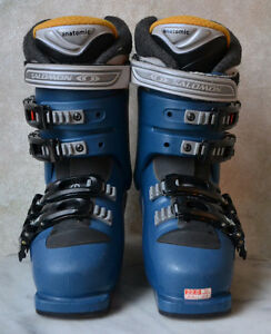 Salomon Performa 6.0 Women's Youth Ski Boots - size 22 / 4 Oakville / Halton Region Toronto (GTA) image 4