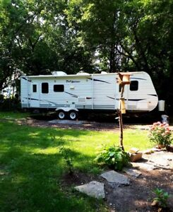 Reduced Great Deal - Trailer 2011 For Sale 29ft