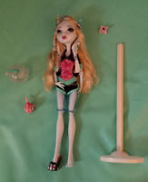 First Wave Lagoona Monster High Doll with Neptuna (pet fish)