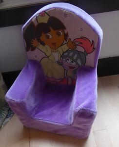 DORA soft plush chair, good, clean condition