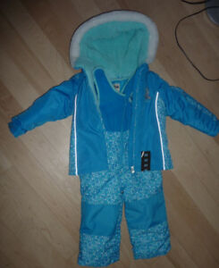 NEW OshKosh snowsuit, size 3T