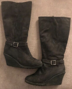 **LADIES BLACK CALF HIGH/WEDGE HEEL BOOTS FOR SALE-SIZE 8**