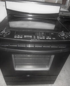Black Kitchen Aid Glass Stove in Great Condition