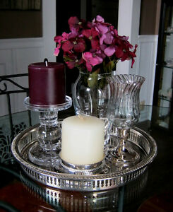 Decorative tray with accessories