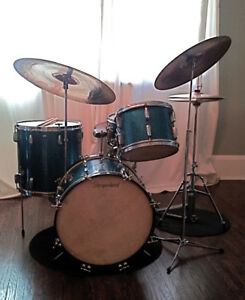 VINTAGE SLINGERLAND RADIO KINGS WITH ZILDJIAN CYMBALS